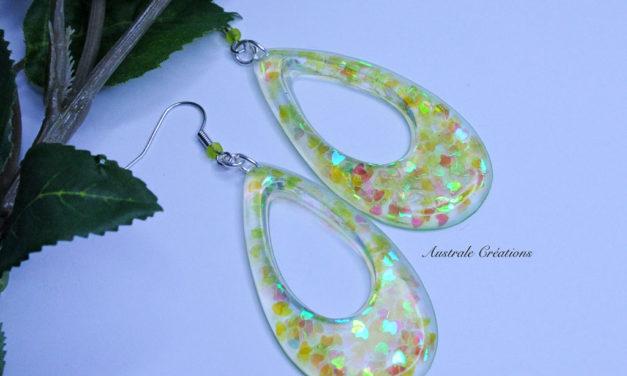 Boucles d'Oreilles «Teardrops» et petits coeurs holographiques
