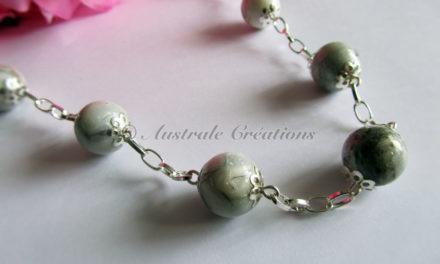Sautoir en Perles imitation marbre