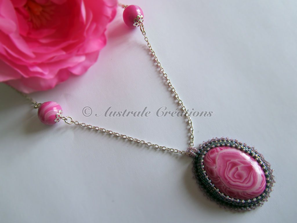46Collier Rosa 4