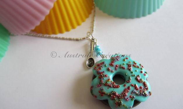 Sautoir «Donuts choco billes»