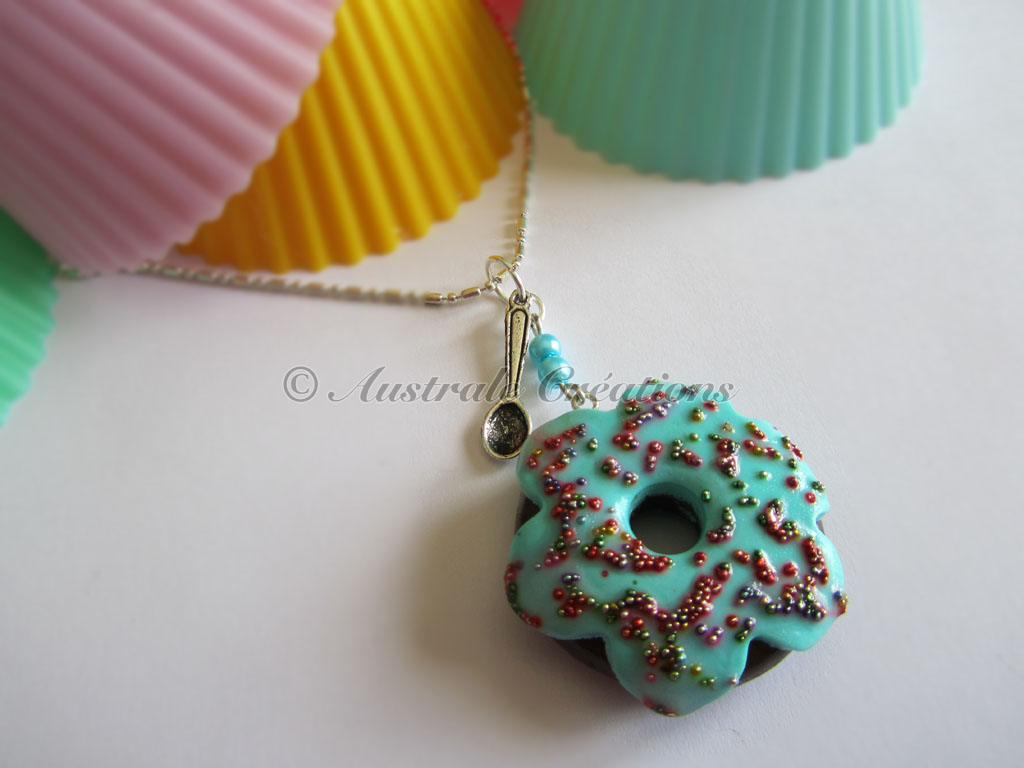 Sautoir « Donuts choco billes »