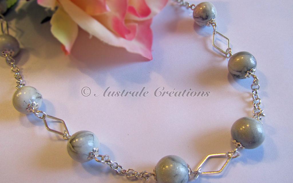 Collier en perles imitation marbre
