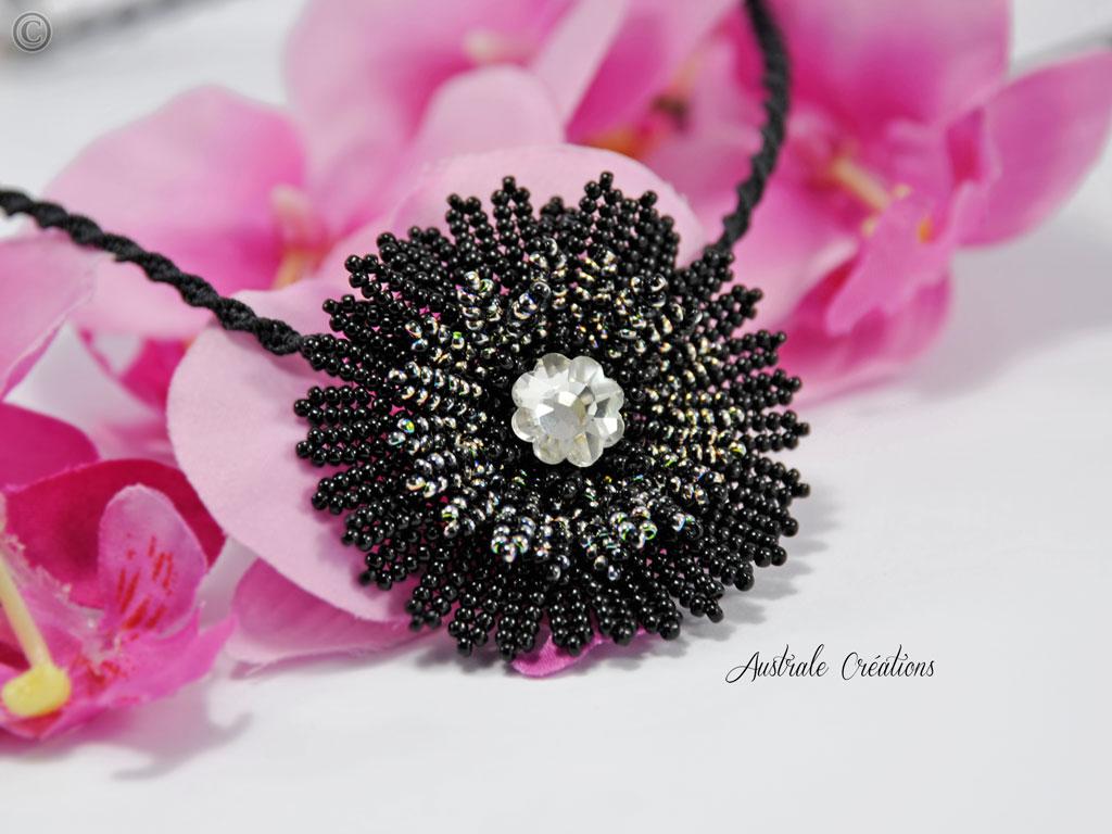 Collier Flower Atelier perles et dentelles