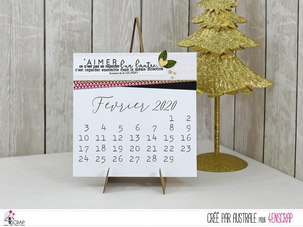 Calendrier 2020 customisé et son chevalet de présentation dans une petite boite cadeau.