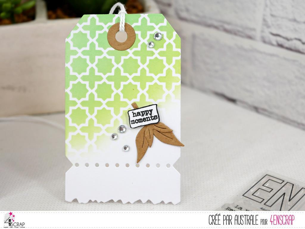 Etiquette cadeau avec fond réalisé au pochoir oriental et encres distress oxide avec étiquette et feuillages.