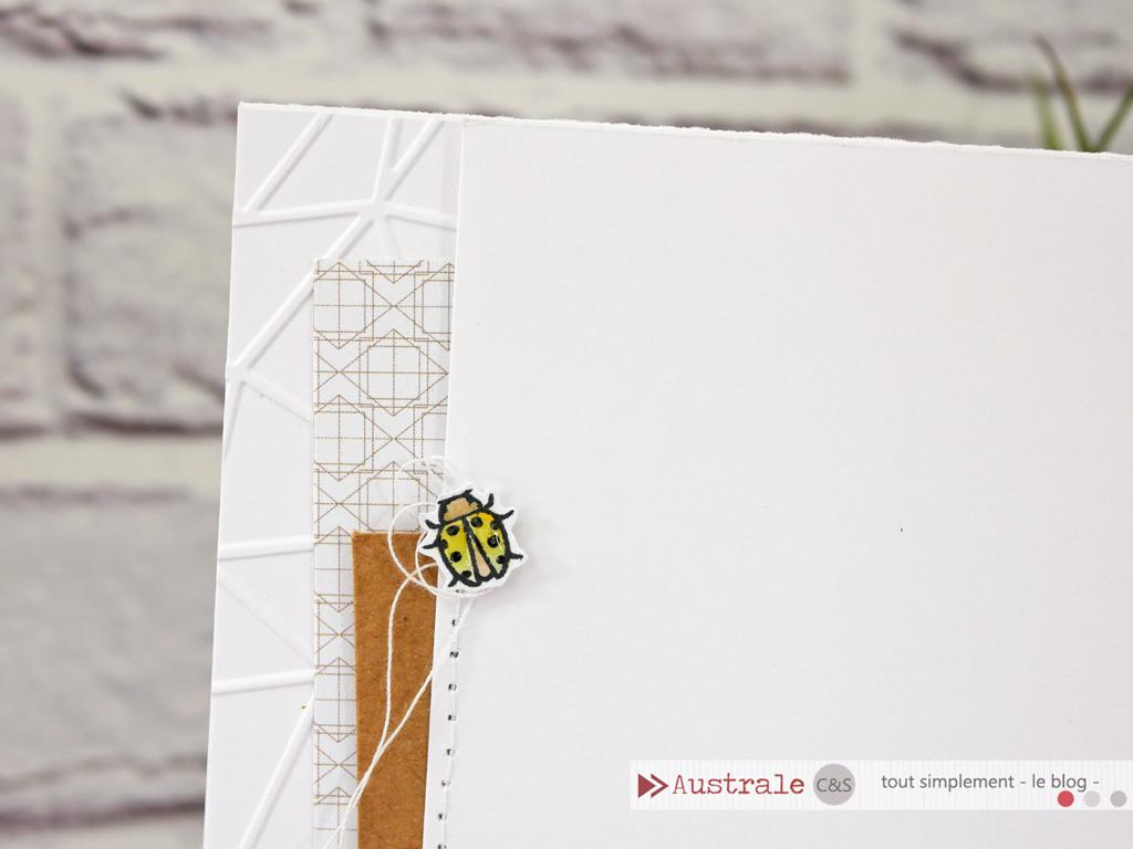 Carte avec esperluette et coccinelle dans un combo en jaune et kraft.