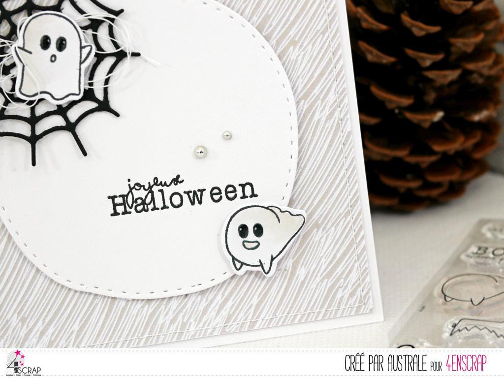 Carte d'halloween en gris et noir avec toile d'araignée et petits fantômes sur fond de papier imprimé.