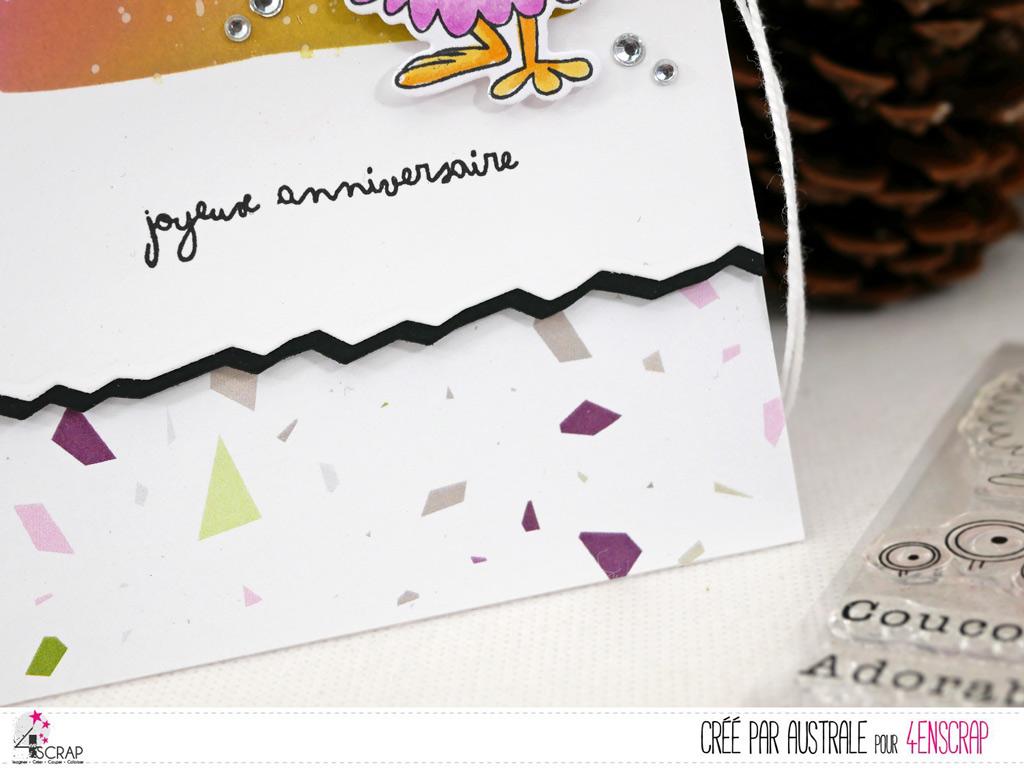 Carte d'anniversaire avec fond distress réalisé avec un pochoir carré, petit monstre et ses ballons et papier imprimé de conféttis.