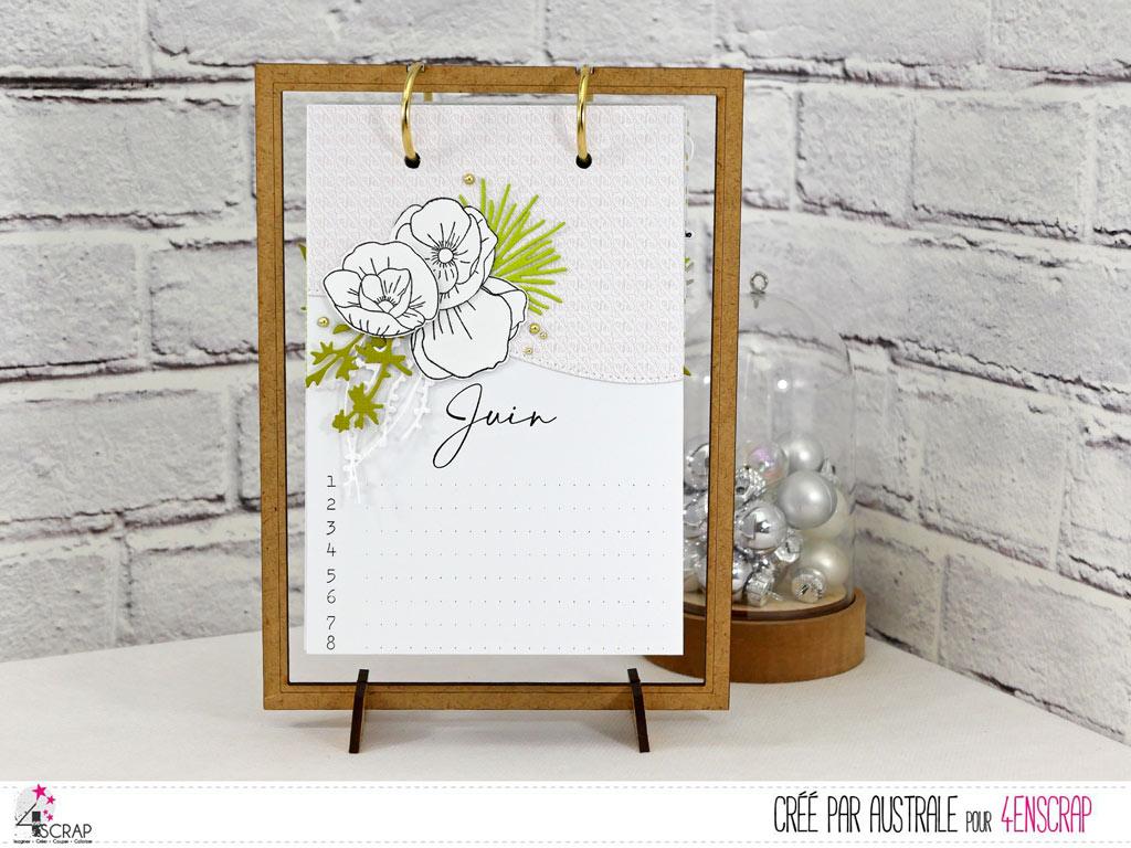 Calendrier des anniversaire avec papiers imprimés décorés et support en bois avec anneaux de 4enscrap.