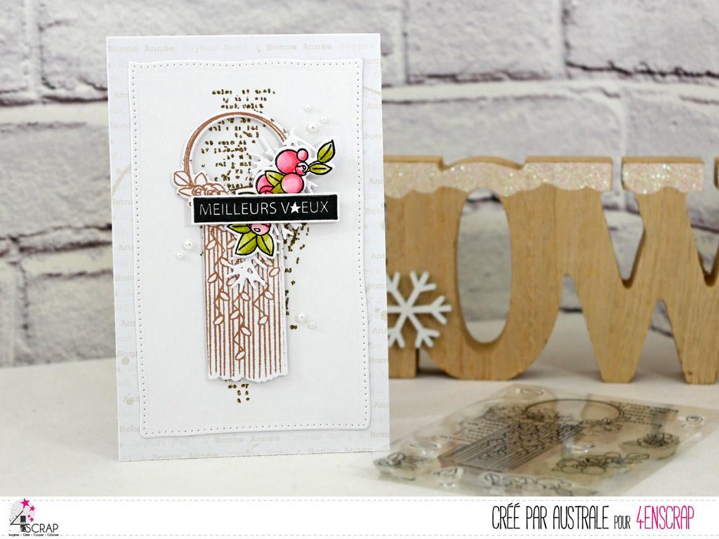 Carte de voeux pour la nouvelle année avec fond texte embossé à chaud à la poudre dorée, macramé, quelques fleurs, feuillages et étiquette.