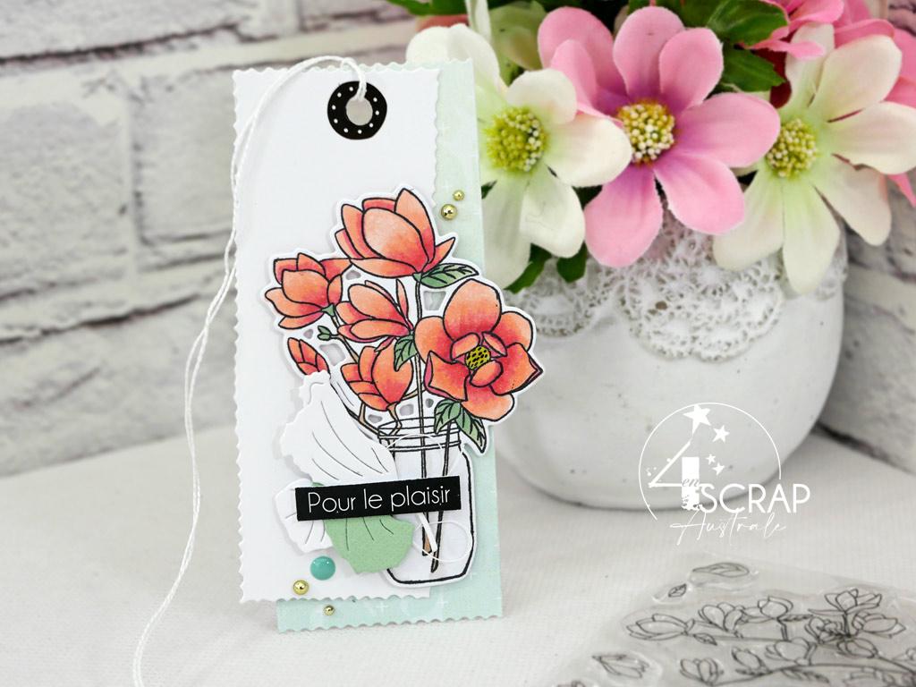 Etiquette cadeau printanière dans un combo en rose, blanc, vert, magnolias, feuillages et étiquettes pour l'avant première de la collection printemps 2021 de 4enscrap.