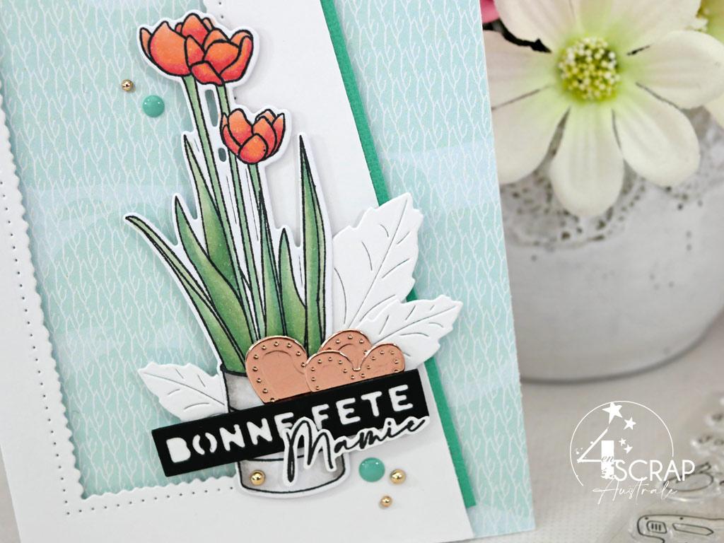 Carte pour la fête des grands mères avec un bouquet de tulipes, cœurs, feuillages et étiquettes.