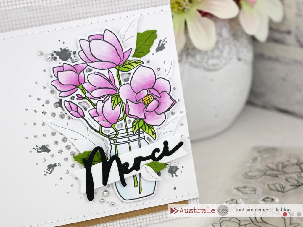 Carte de remerciement avec bouquet de magnolias et feuillages dans un combo en rose, vert et kraft.