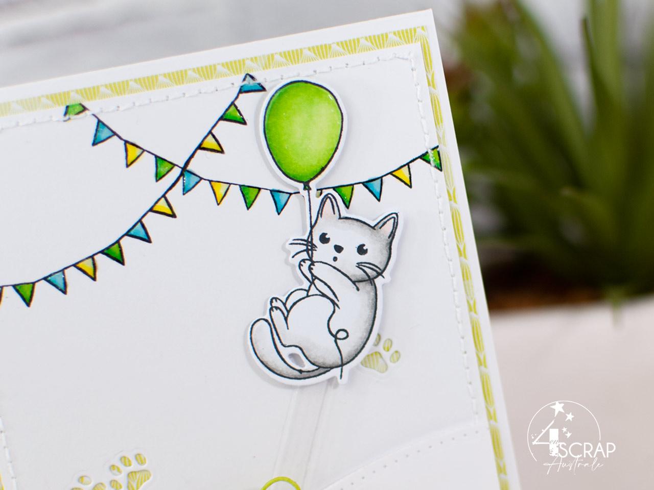 Création d'une carte à tirer pour anniversaire avec des petits chats qui font la fête.