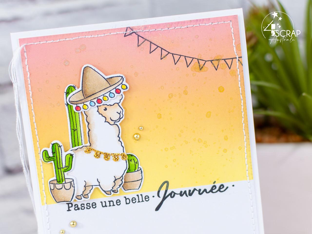 Création d'un duo de cartes d'anniversaire avec le bébé alpaga de 4enscrap.Les fonds de cartes sont faits à l'encre distress oxide avec et sans pochoir dans des nuances de couché de soleil.