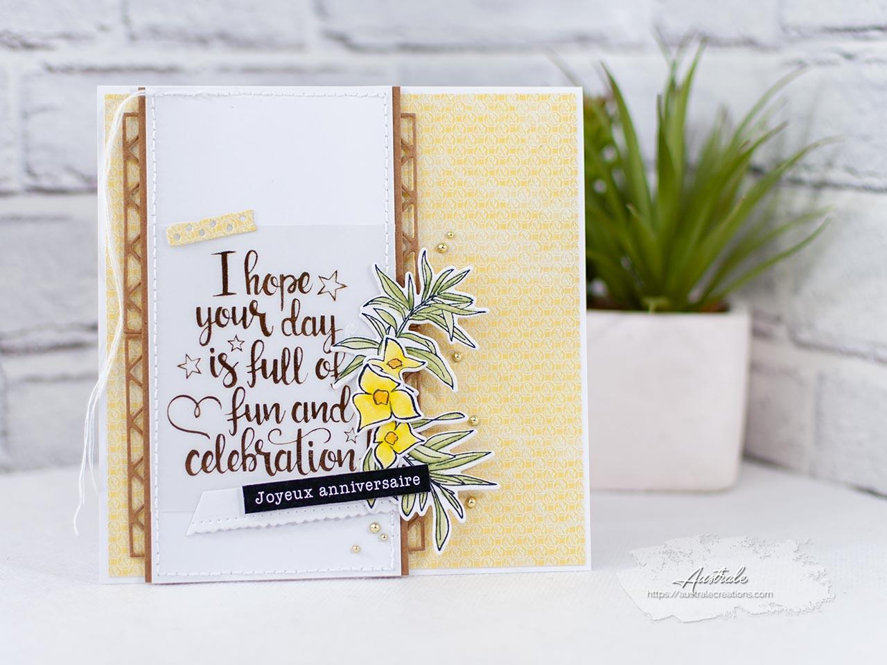 Création d'un ensemble cadeau composé d'une carte d'anniversaire et d'étiquettes assorties dans un combo de couleurs jaune, vert et kraft avec feuilles de laurier et fleurs de bougainvillier de 4enscrap.