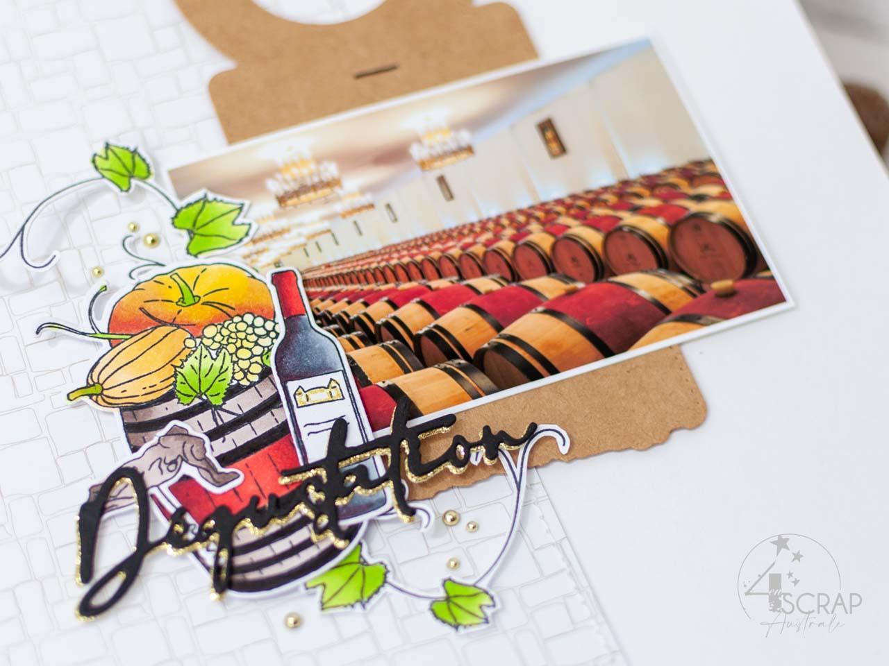 Création d'une page A4 automnale avec une photo de la cave du Château du Pape Clément, fond imprimé, étiquette de bouteille, tonneau et tampons sur le thème de la dégustation de vins.