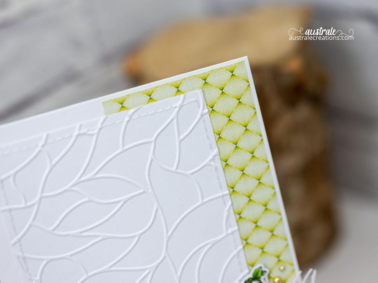Création d'une carte d'automne avec un joli seau rempli de courges et feuillages dans un combo de couleurs en orange, jaune, vert et kraft.
